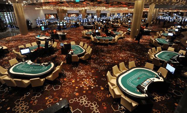 利用百家樂高退佣決殺莊家,百家樂是全世界尤其在亞洲,是一款極為風靡的博奕紙牌遊戲,百家樂也是世界公認最公正、公平的賭桌撲克遊戲,就是因為它的莊家優勢最低,所以深得賭客的喜愛。